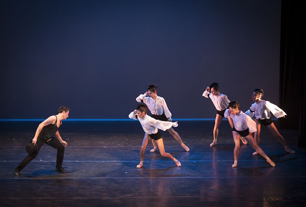 Ballet de Santiago en el Día de la Danza en el Parque Cultural de Valparaíso. Foto Patricio Melo