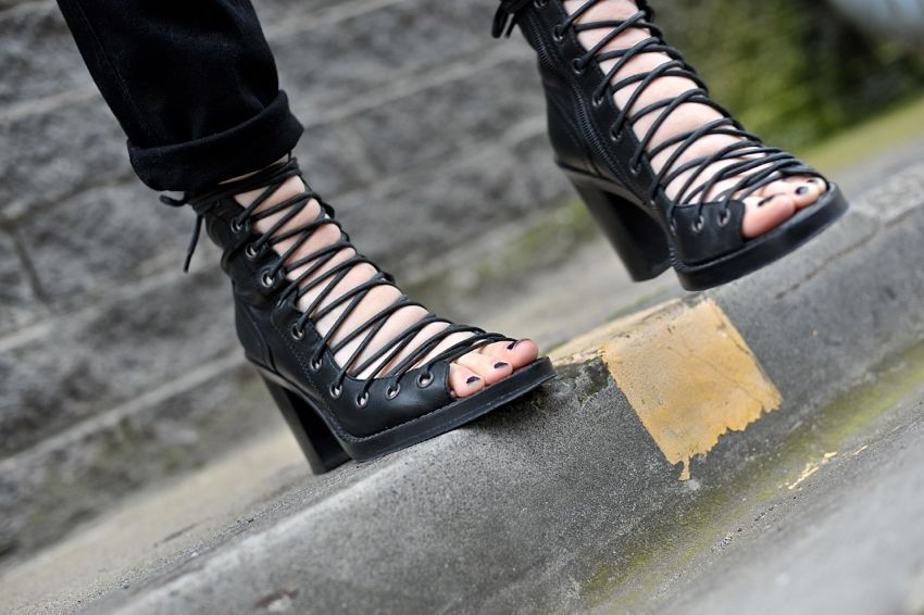 open lace-up ankle boots - Black Ann Demeulemeester wpdfSuGF03
