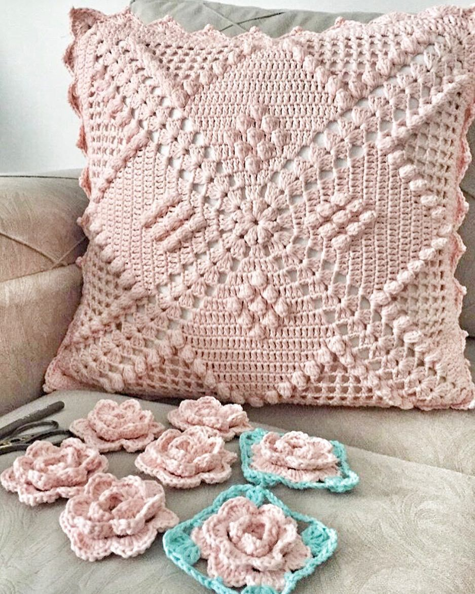 50 Free Crochet Pillow Patterns Page 10 Of 50 Hotcrochet Com Crochet Pillow Case Pattern Crochet Pillow Pattern Crochet Pillow Cases