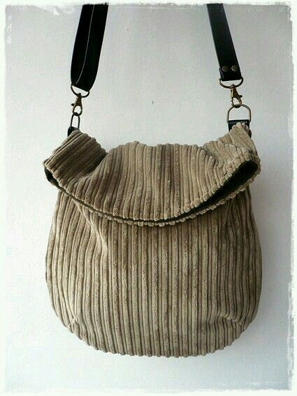 Flop top purse. This would be pretty in a mix of brown fabrics