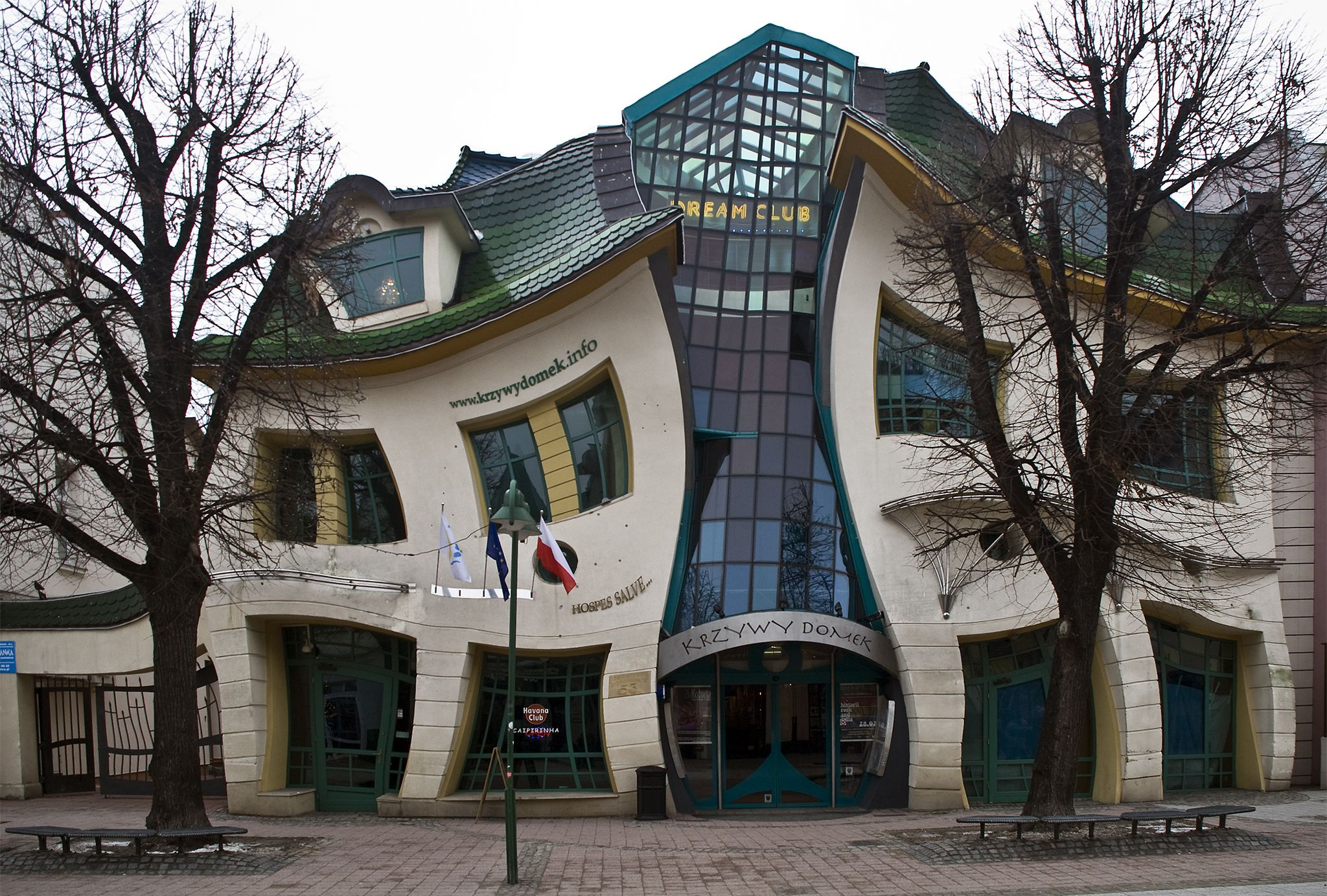 Top 10 Strangest Buildings in the World - The crooked house in Sopot ...