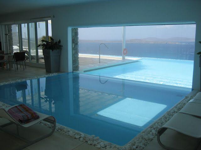 Piscina interior exterior piscinas pinterest piscina - Casas con piscina interior ...