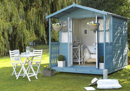 l dt zum verweilen ein das gartenhaus in hellem blau gartenhaus als g stehaus pinterest. Black Bedroom Furniture Sets. Home Design Ideas
