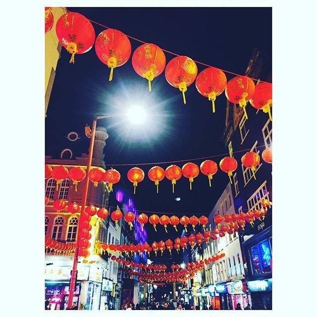 Wandering around Chinatown . . . . . . #london #chinatownlondon #chinatown #chinesefoodlover #travel #explore #explorelondon #nightoutinlondon #nightout #classiclondon #suchatourist #touristmode #travellover by (madimigdal). london #nightout #touristmode #suchatourist #classiclondon #travellover #travel #explorelondon #chinesefoodlover #chinatown #explore #nightoutinlondon #chinatownlondon #eventprofs #eventplanning #viewfromthetop #views #popular #trending #events #eventprofs #meetingprofs…