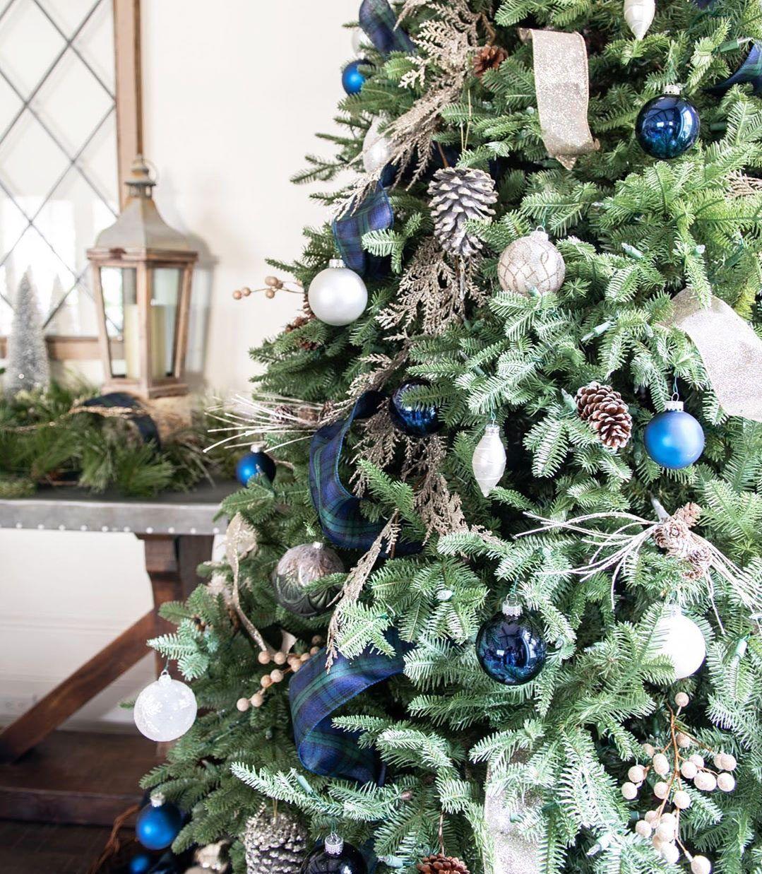 49 Simple Christmas Tree Decorating Ideas -   17 christmas tree inspiration simple ideas