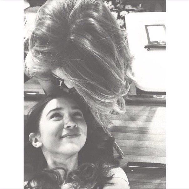 I mean she's cute alone but then you add Sabrina to the picture and I'm just like HHDGHCTJBDGBX I can't even right now.
