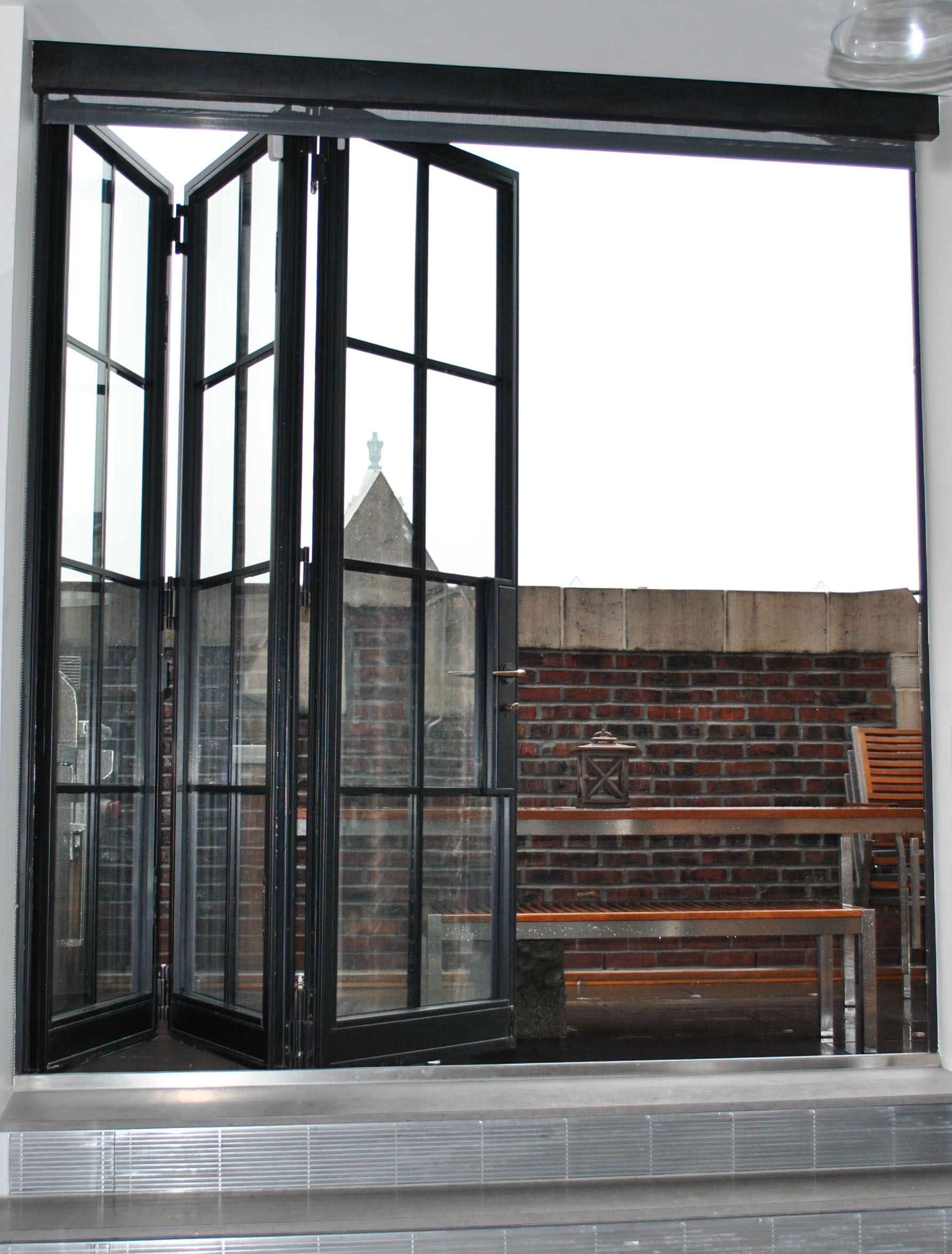 Crittall windows france google search fin barn door for Internal folding doors systems
