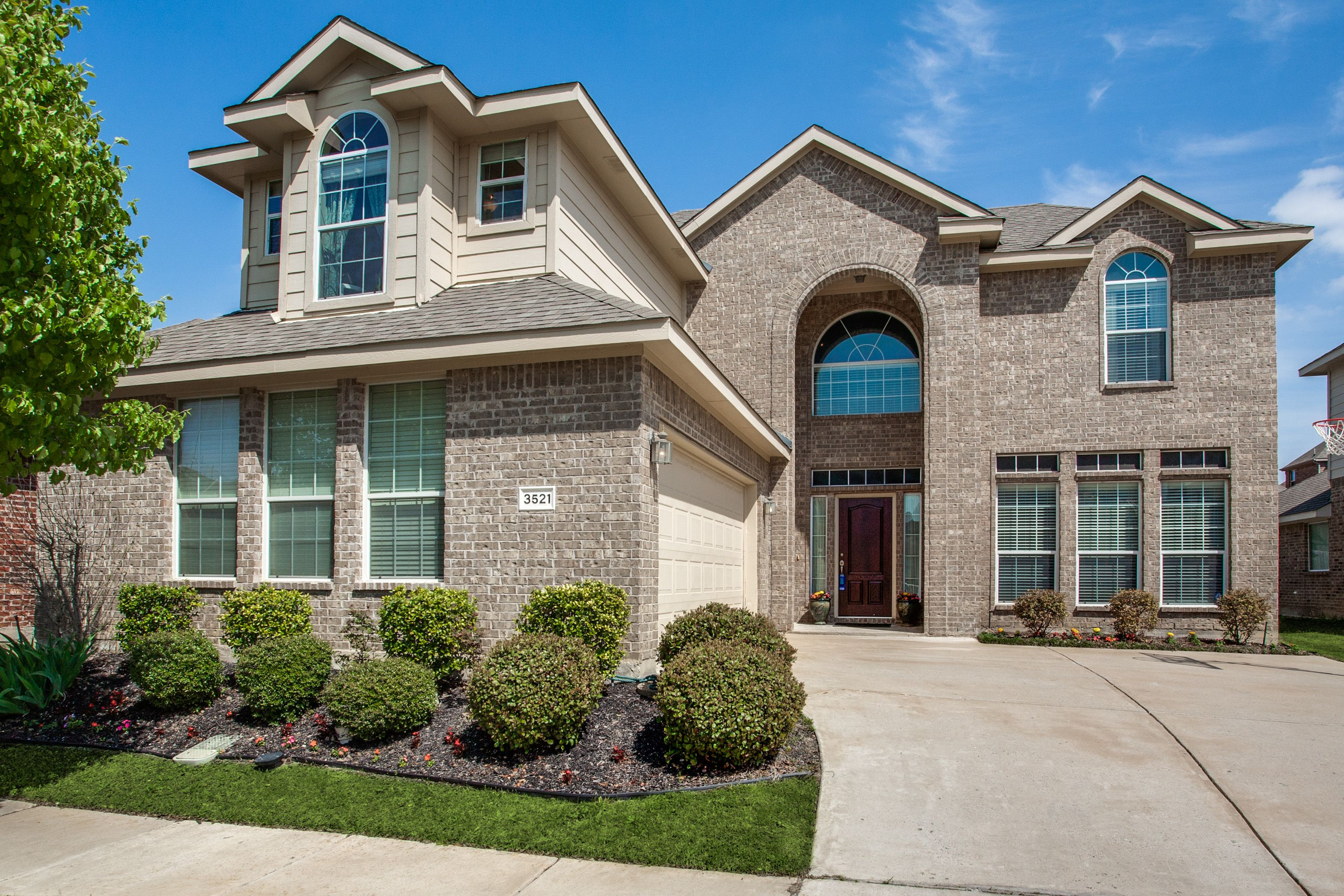 Awesome NEW LISTING! Check out this amazing home in Craig