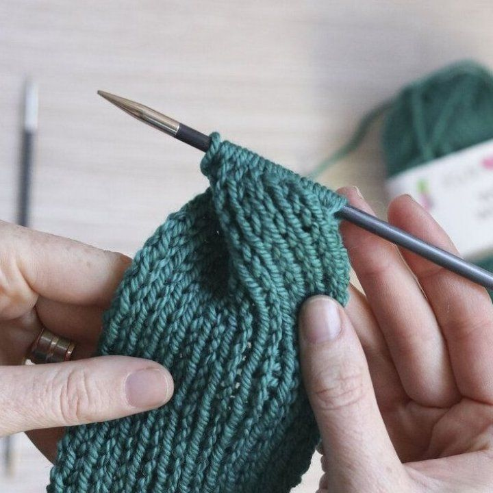 Tutorial How to knit the Hot Mess Headband Ewe Ewe Yarns ...