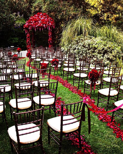 Lush Red Flowers Add Color To Wedding At Hotel Bel Air Photography By David Michael