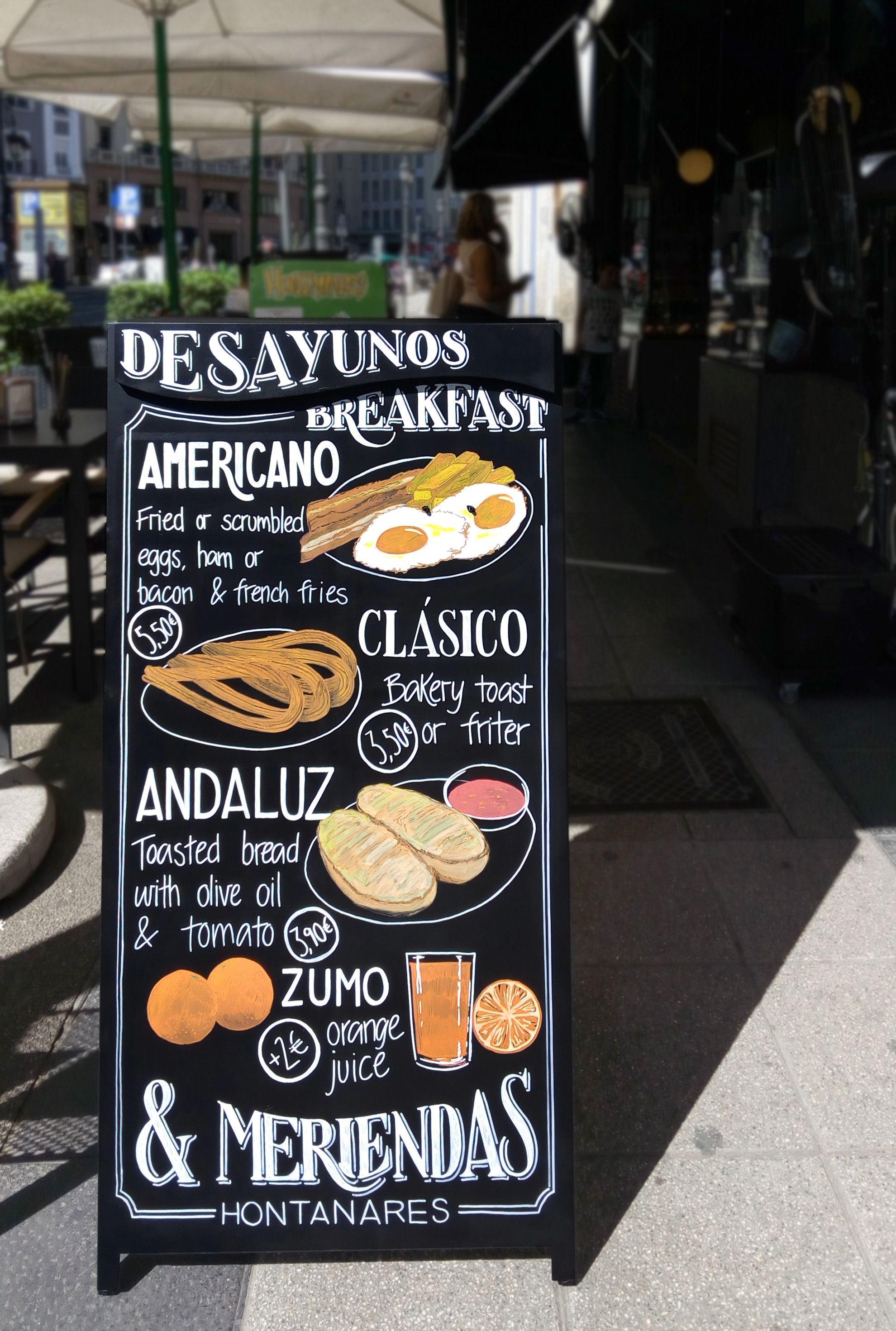 Una pizarra de doble cara para presentar los desayunos y - Pizarras de bar ...