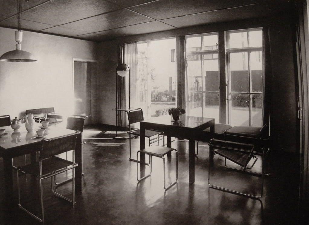 Interior from the weissenhofsiedlung with tubular - Bauhaus iluminacion interior ...
