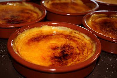 >La crema catalana és una de les postres més típiques de Catalunya que es menja durant tot l'any, però que es consumeix especialment el 1...