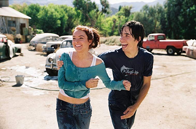 Lindsay Lohan Justin Long And Herbie In Herbie Fully Loaded 2005 Justin Long Fashion Inspo Outfits Lindsay Lohan