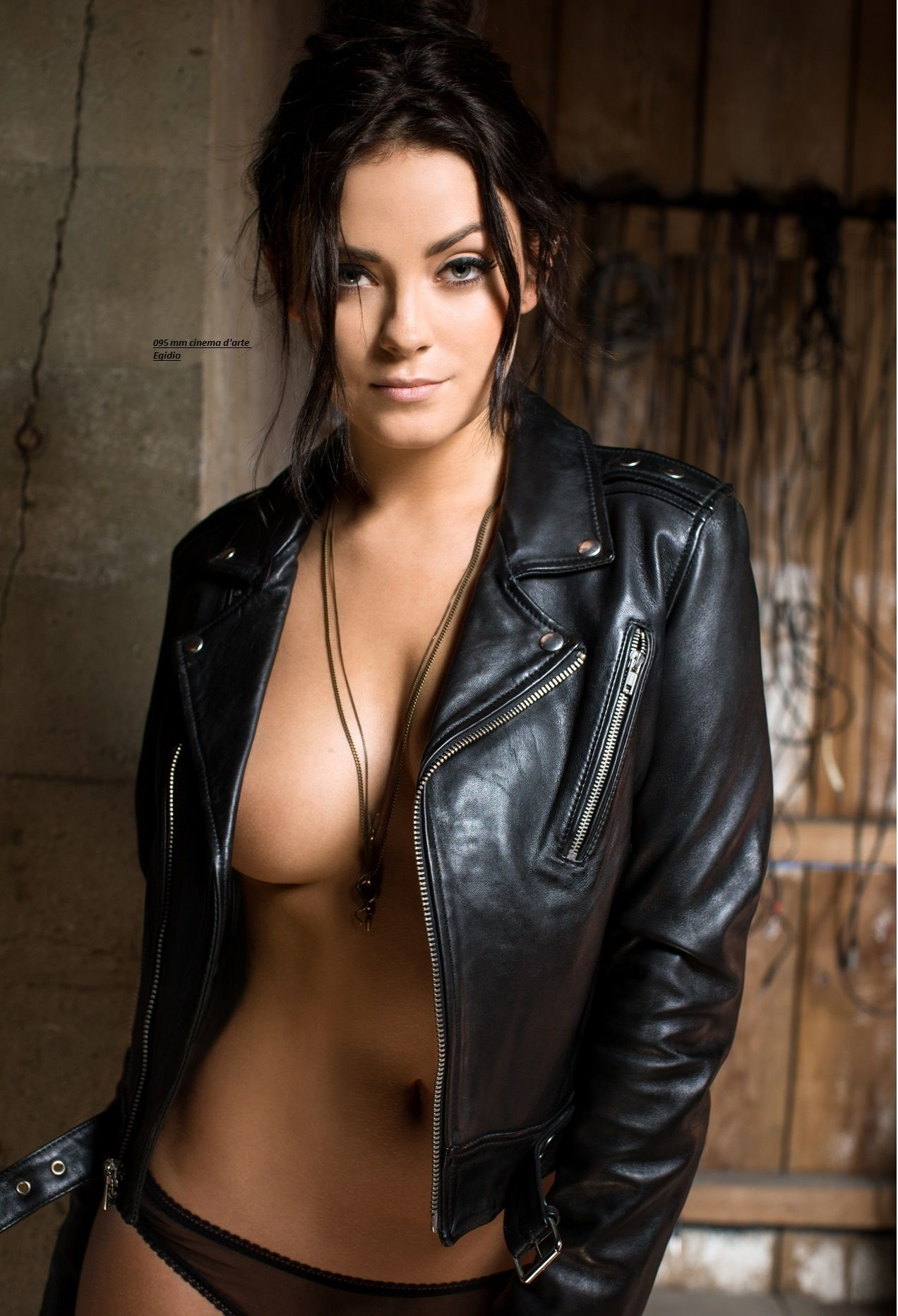 sexy-leather-nudes