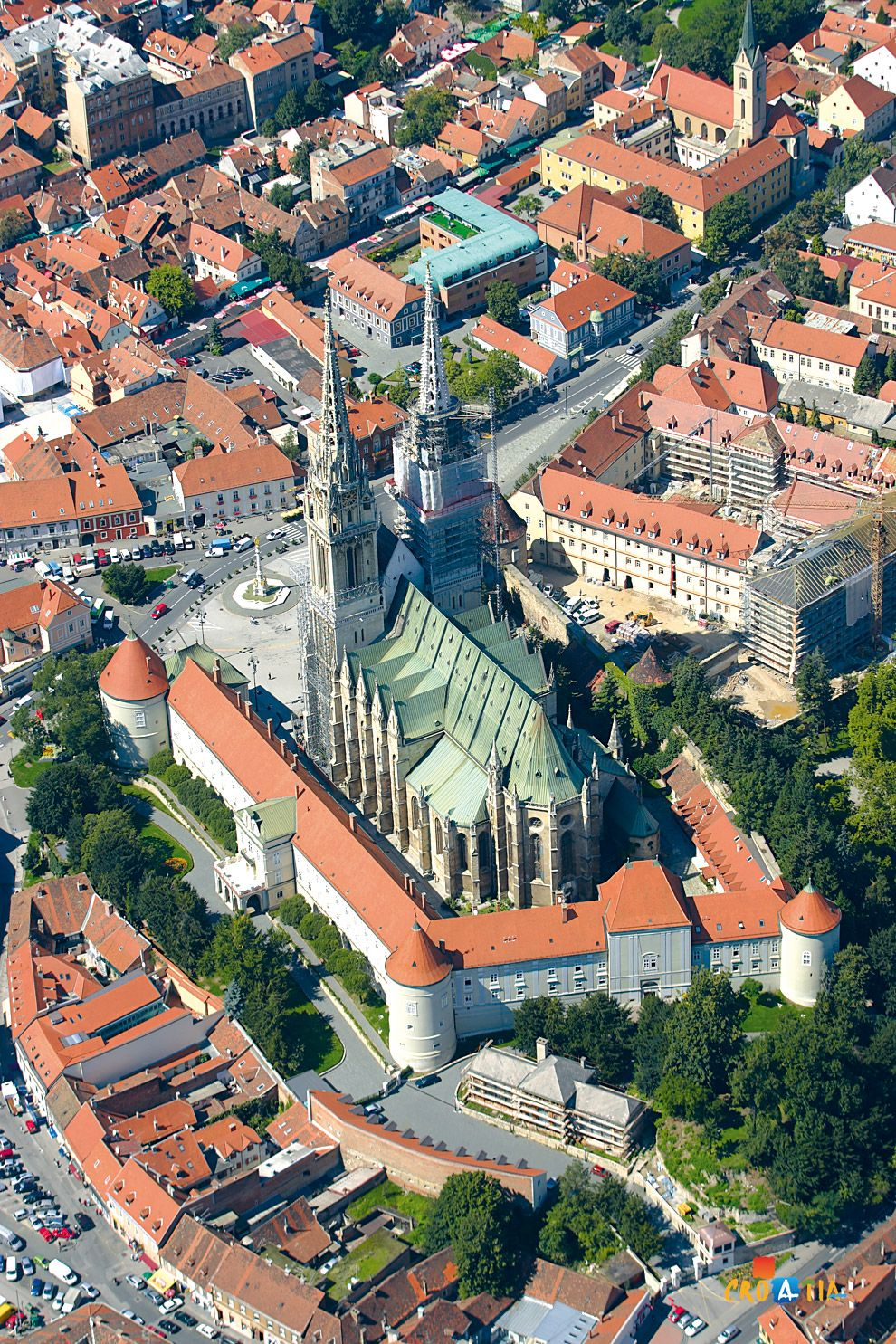 Zagreb Cathedral Croatia The Zagreb Cathedral On Kaptol Is A Roman Catholic Institution And The Tallest Building In Croa Zagreb Croatia Visit Croatia Croatia