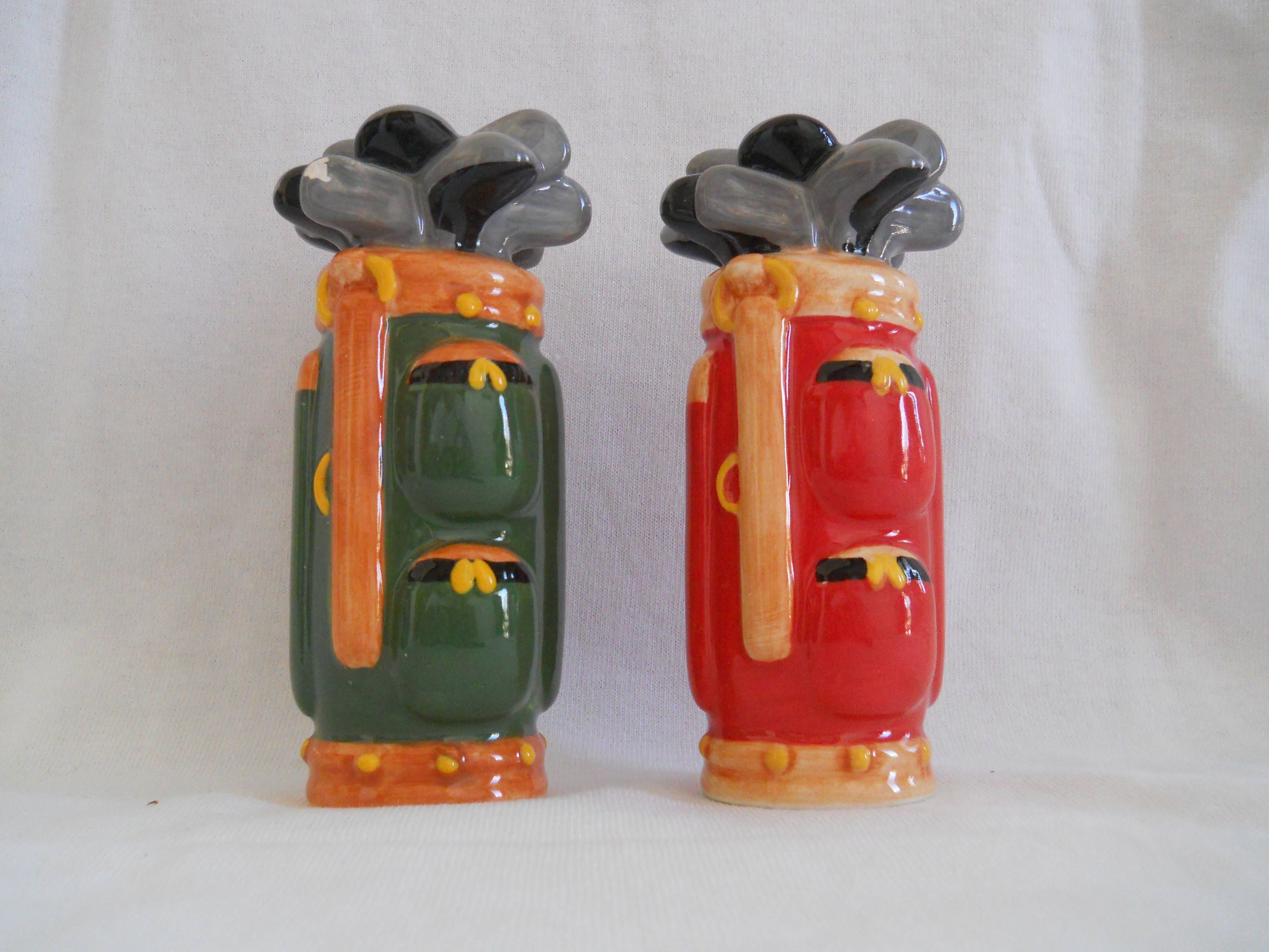 Golf Bag and Clubs Salt and Pepper Shakers vintage