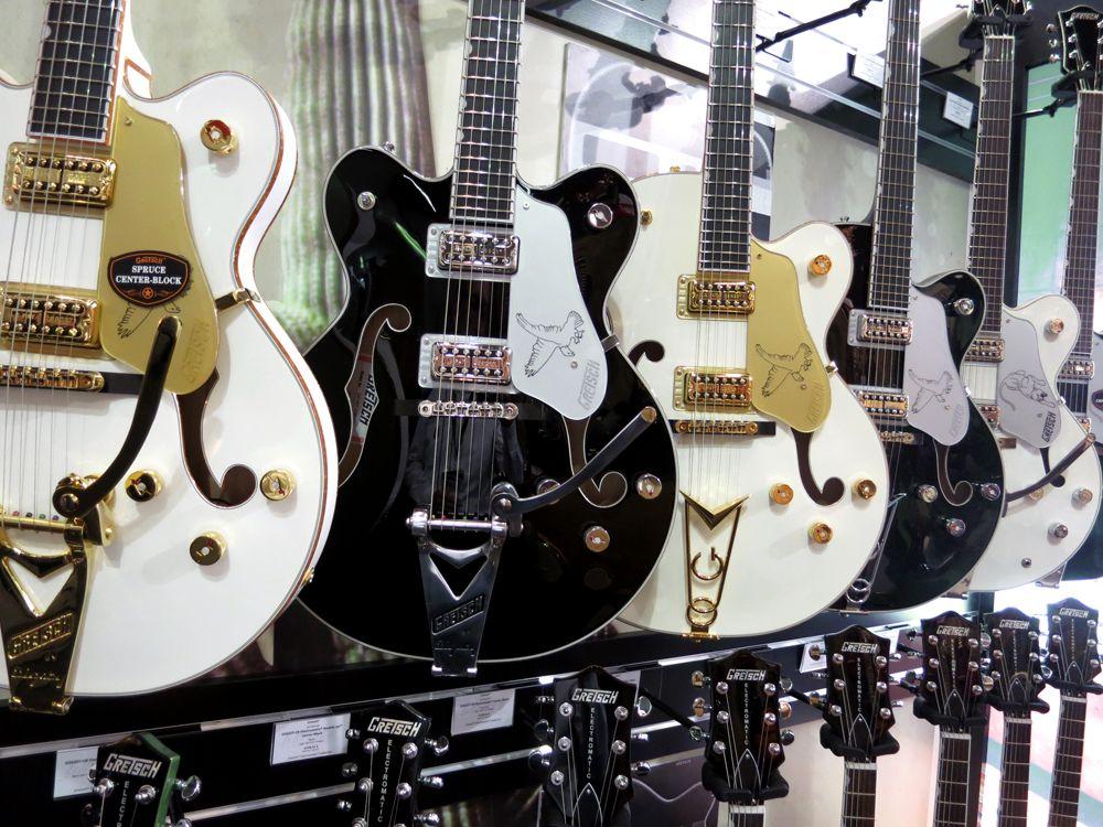 Imagini pentru tumblr guitar electric