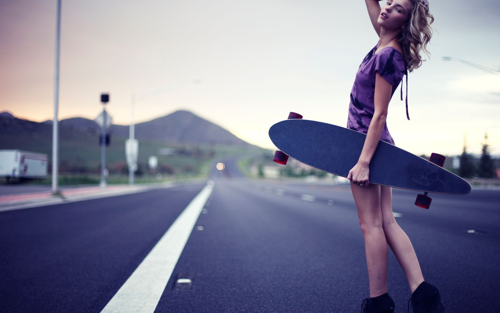 undefined Girl Skateboard Wallpapers (26 Wallpapers