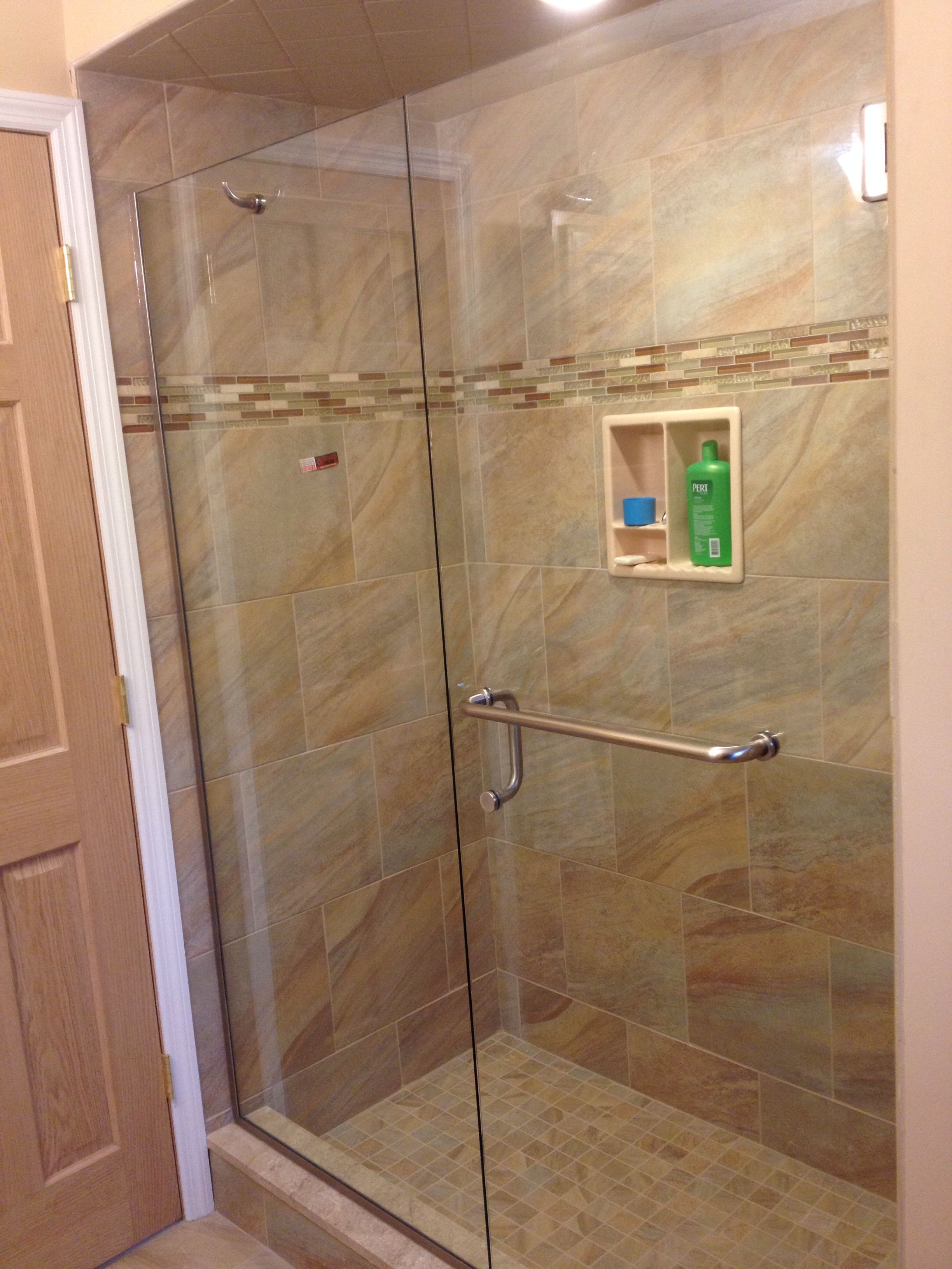 "3/8"" Frameless Door And Panel With Towel Bar And Robe Hook"