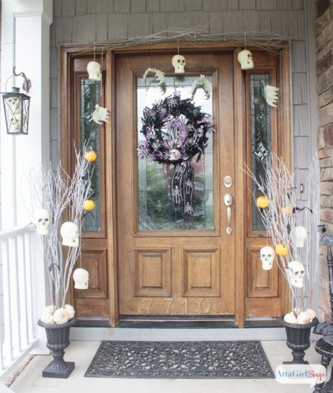 Scary Halloween Decorations for Your Front Porch Scary halloween