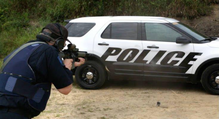 Η ΜΟΝΑΞΙΑ ΤΗΣ ΑΛΗΘΕΙΑΣ: Νέα αστυνομικά οχήματα της Ford προστατεύουν από τ...
