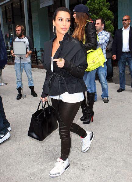 f7969379e39333 Kim Kardashian - Black Windbreaker