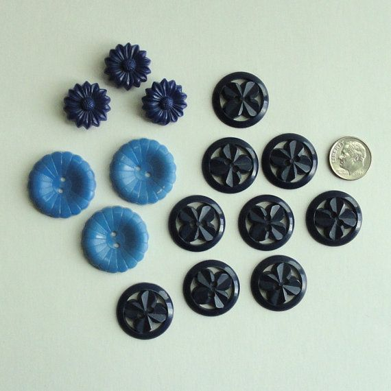BLUE PLASTIC BUTTONS - Lot of 15 - Floral Motif - by VintageVoola, $3.50