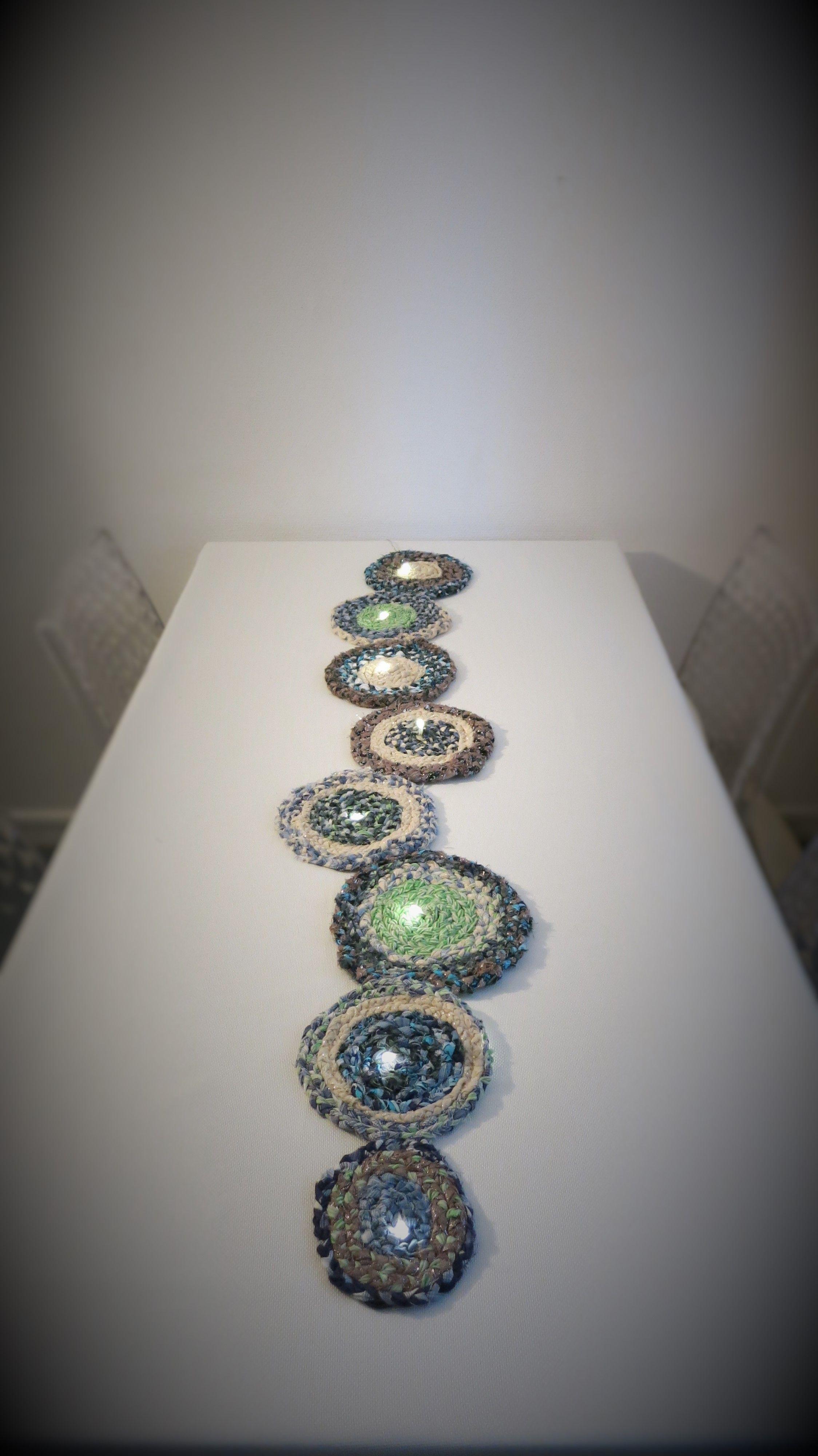 chemin de table lumineux (peut également s'accrocher sur une porte