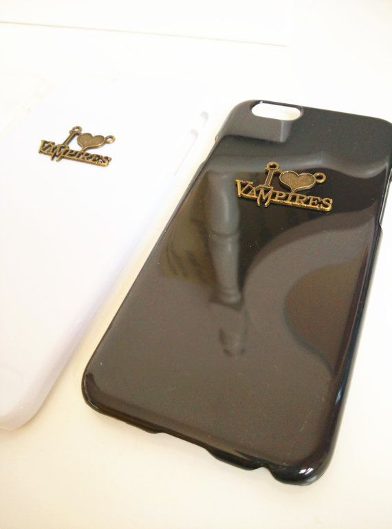 Vintage Hard Plastic Cell Phoe Case for iPhone 5 by YourCraftsArt