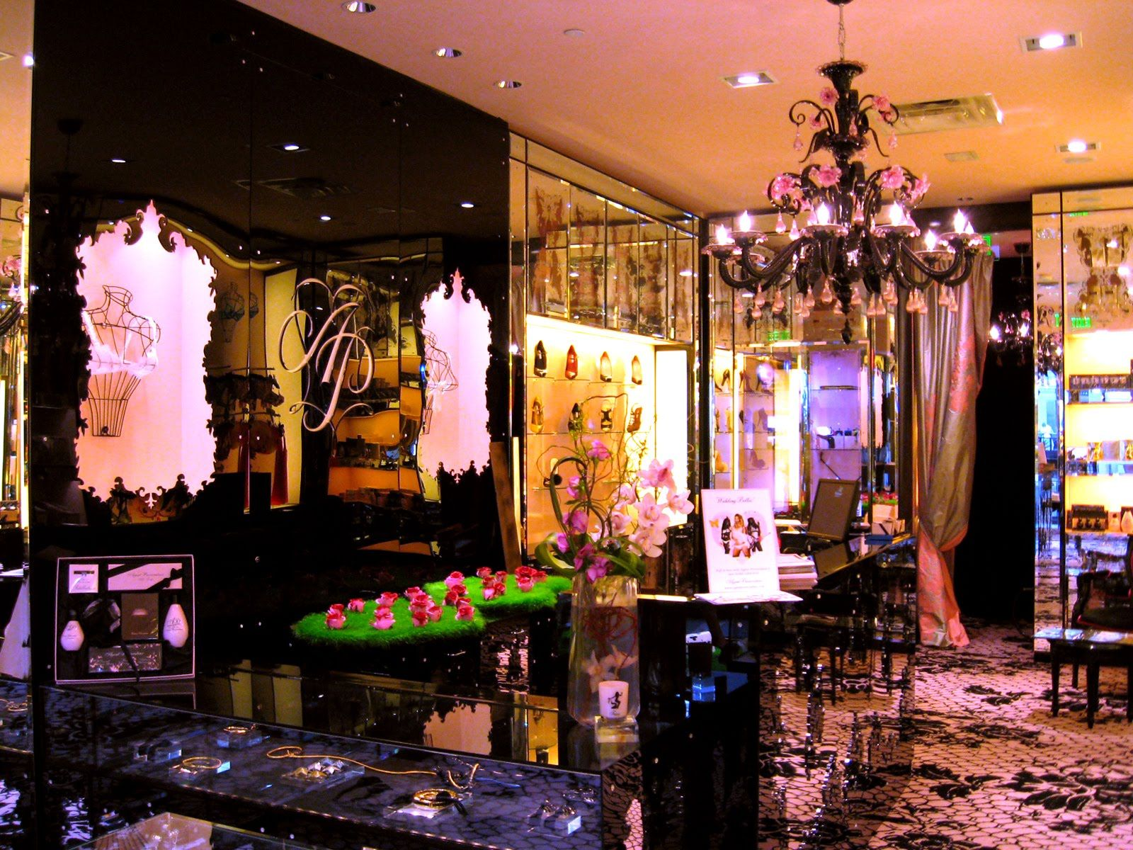Lingerie Store Ideas19 | Google images, Store layout and Store ...