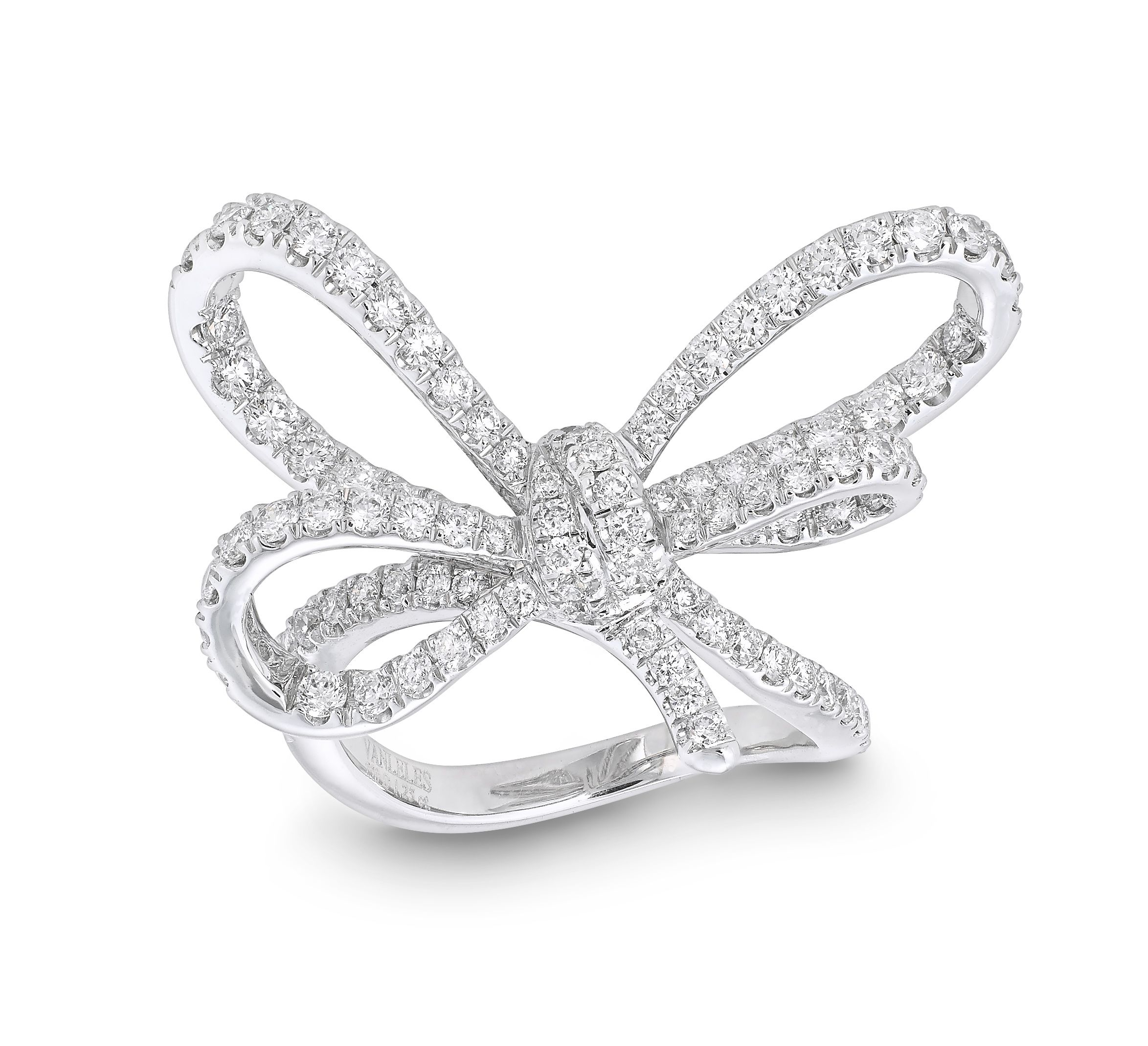 LYLA S BOW RING Set in 18K white gold Diamonds GVS x102=1 25