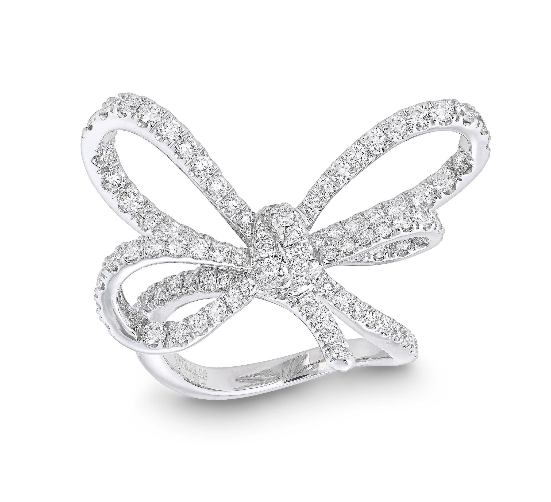 LYLA S BOW RING Set in 18K white gold Diamonds GVS x102 =1 25