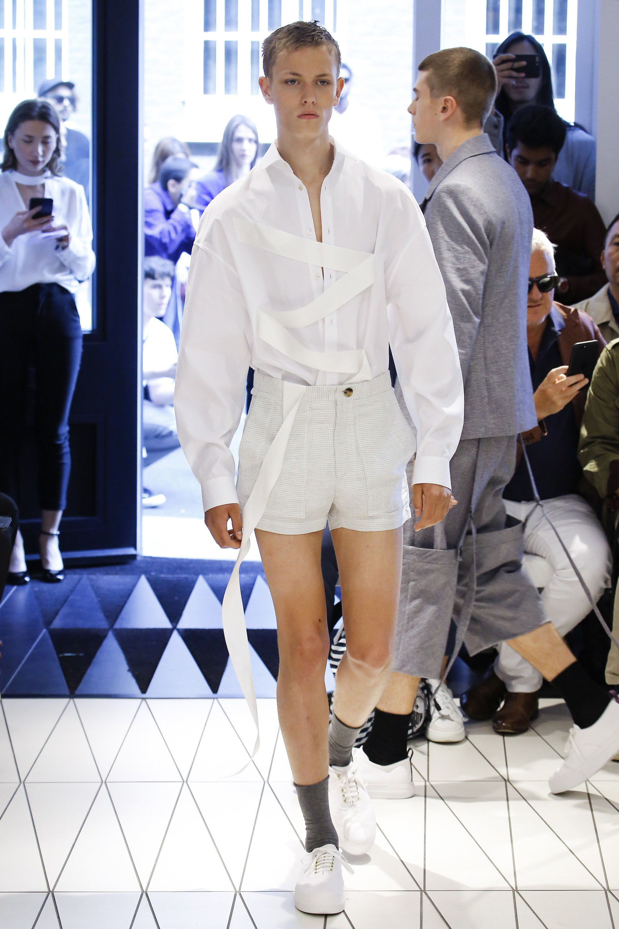 Chalayan Spring 2018 Menswear Fashion Show Collection
