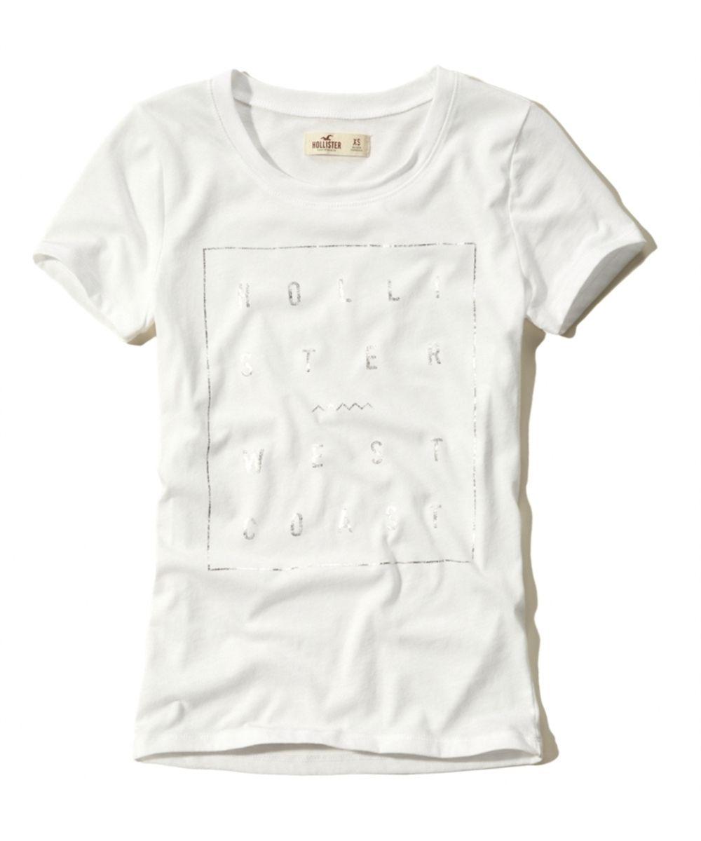 404cf8d2653f1 Esta Camiseta feminina da Hollister é bem delicada e tem a frente estampada.  A estampa