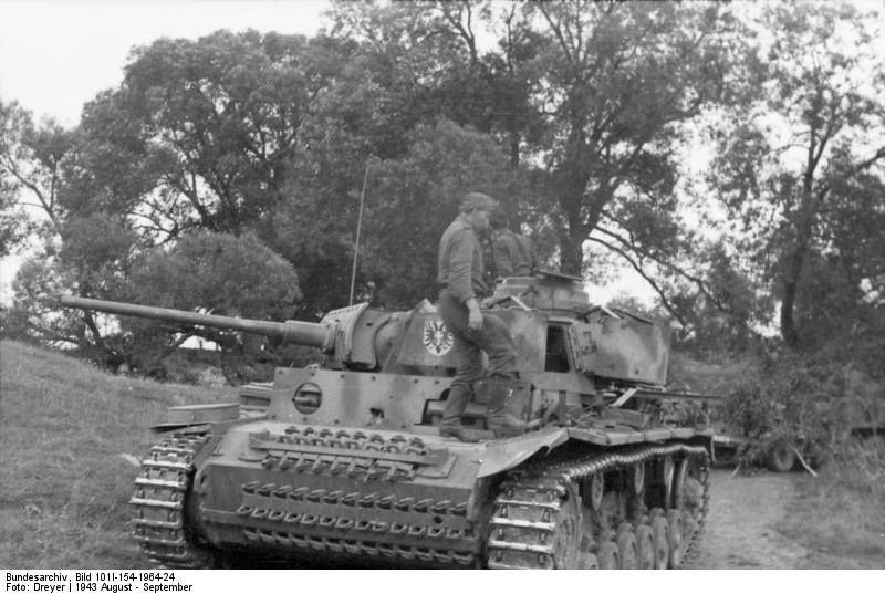 A Panzer III of the 2nd Panzer Division near Orel
