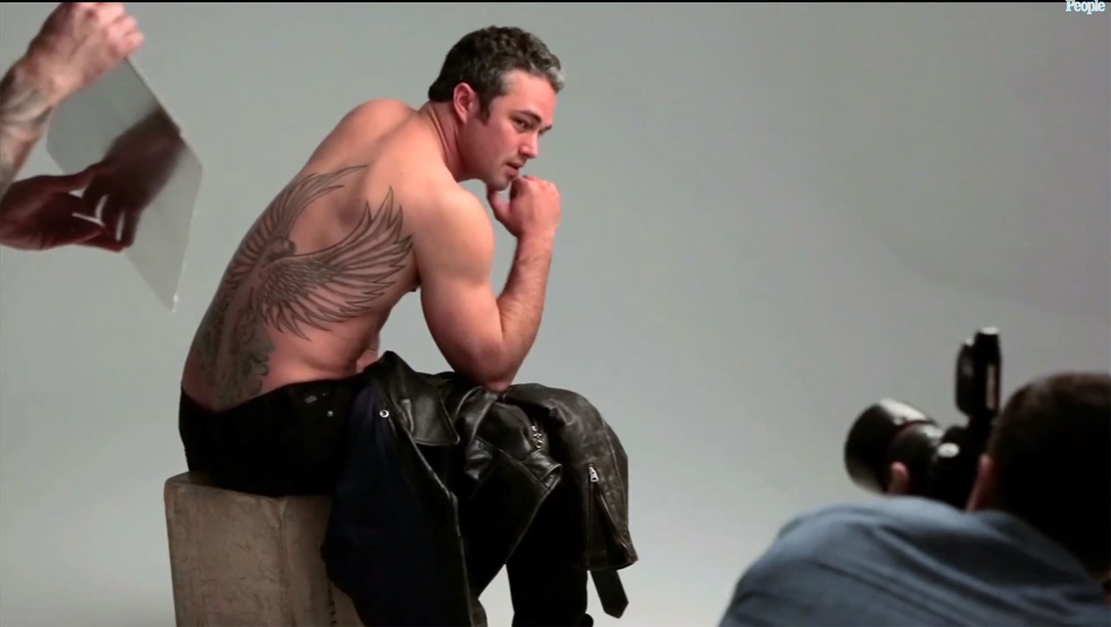 Taylor kinney people 39 s sexiest man alive oh man for Taylor kinney tattoos