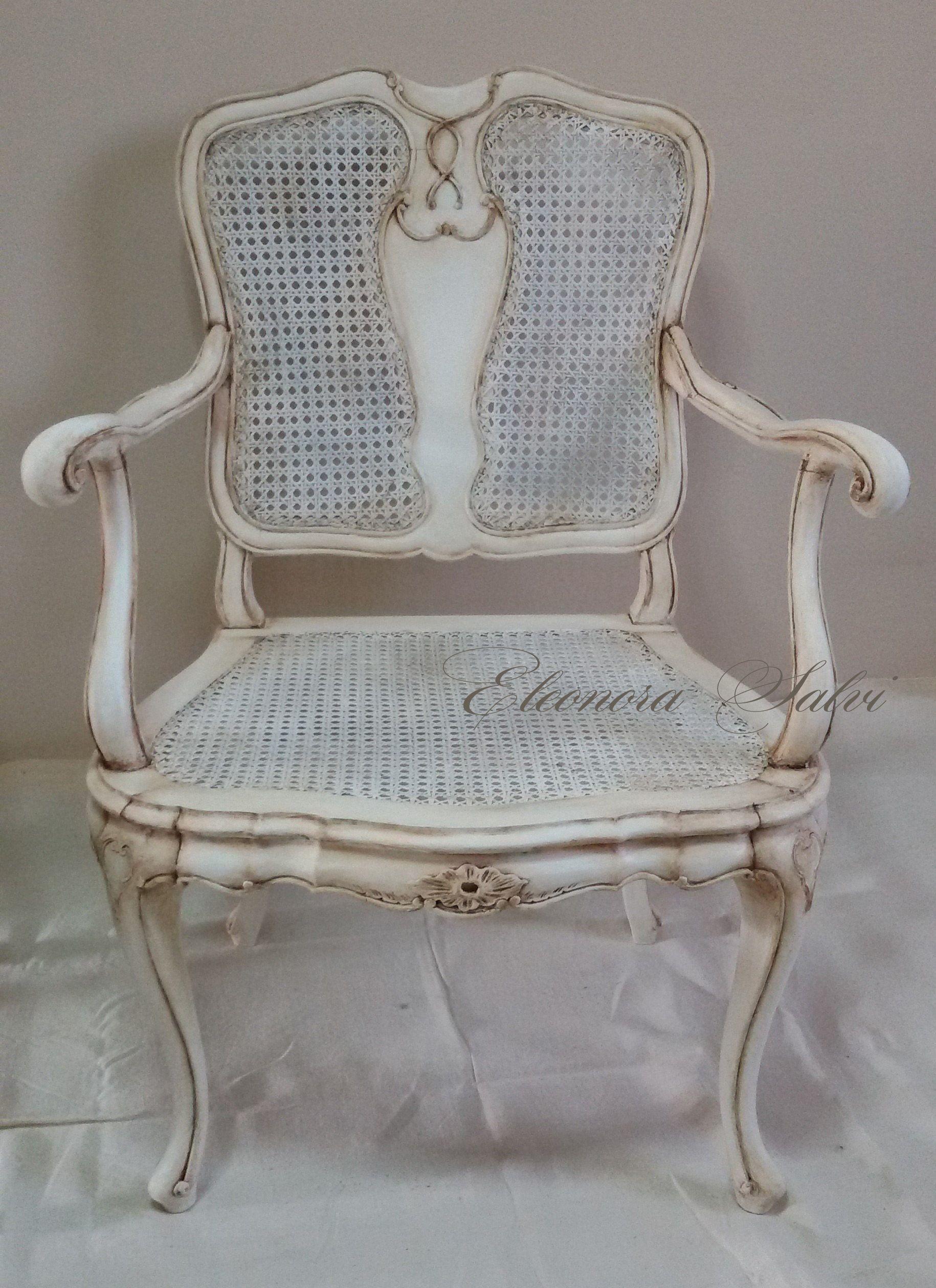 Poltroncina sedia primi 900 manifattura artigianale paglia di Vienna legno noce Stile shabby chic provenzale Tonalit bianco caldo con patina