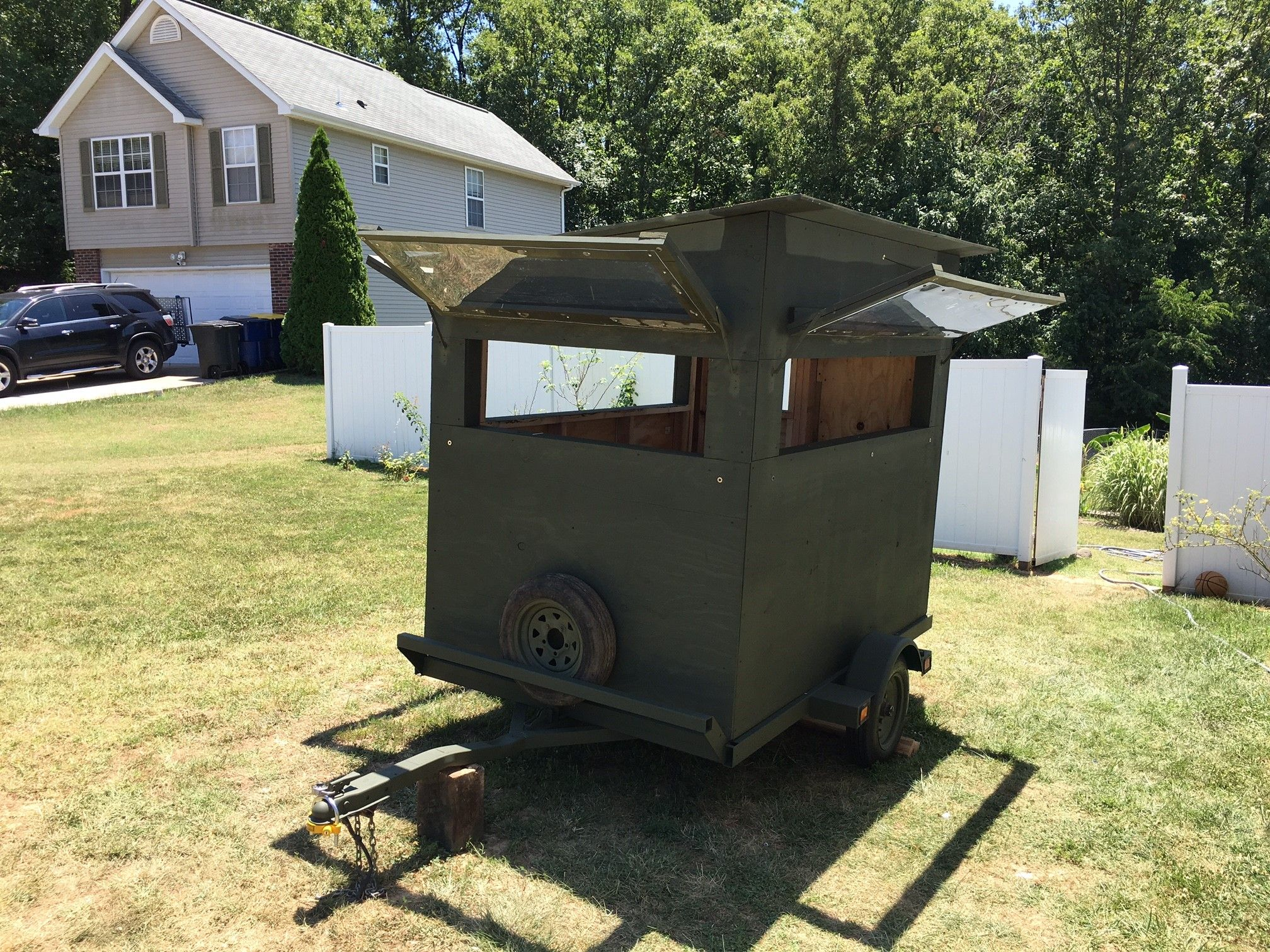 Deer Stands On Trailers Bing Images Hunting Blinds T