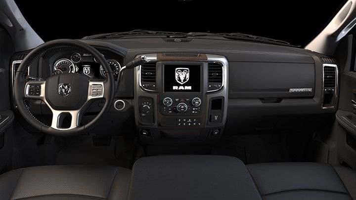Upgrade Your Interior With The Available Uconnect 8 4a Or 8 4an Systems Complete With Full Color 8 4 Inch Touchscreen Display And Bluetoo Ram Asiento De Cuero