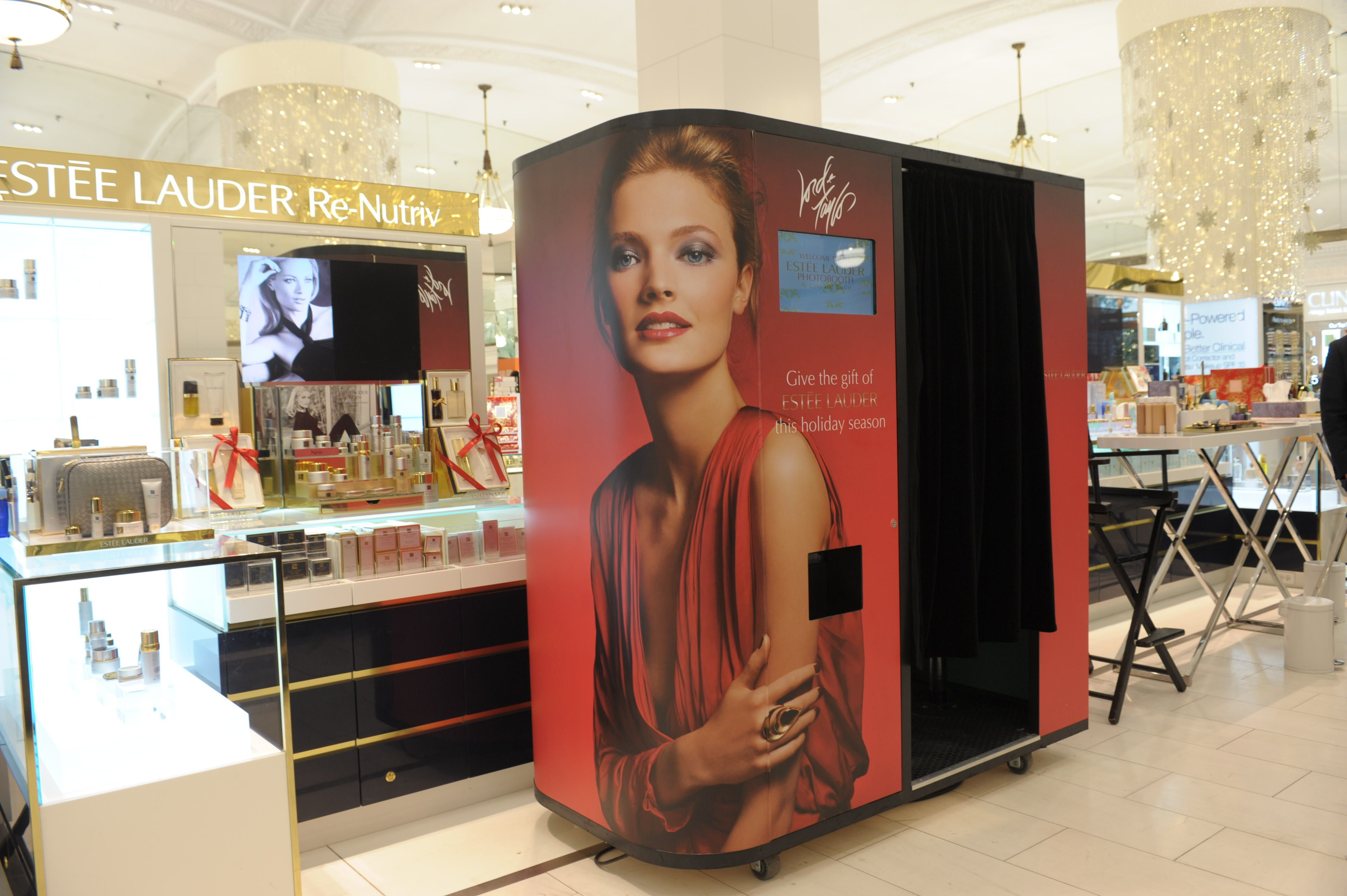 Estee Lauder Custom Photo Booth in retail store in NYC