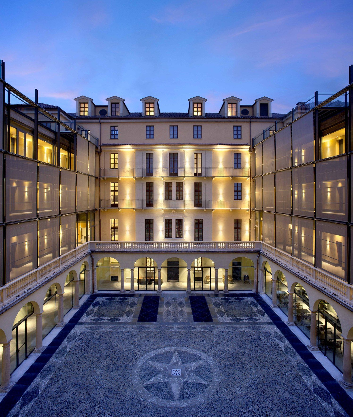 30 Legendary Historic Hotels Inducted Into Historic Hotels Worldwide In 2017 Luxe Beat Magazine In 2020 Historic Hotels Resort Lifestyle Nh Hotel