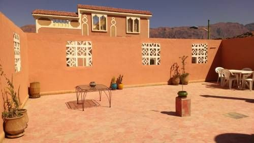 Appartement Ziyara Tafraout Featuring free WiFi, Appartement Ziyara offers accommodation in Tafraout.  The accommodation is fitted with a seating area. Some units include a dining area and/or terrace. All units have a kitchen fitted with a microwave and fridge.