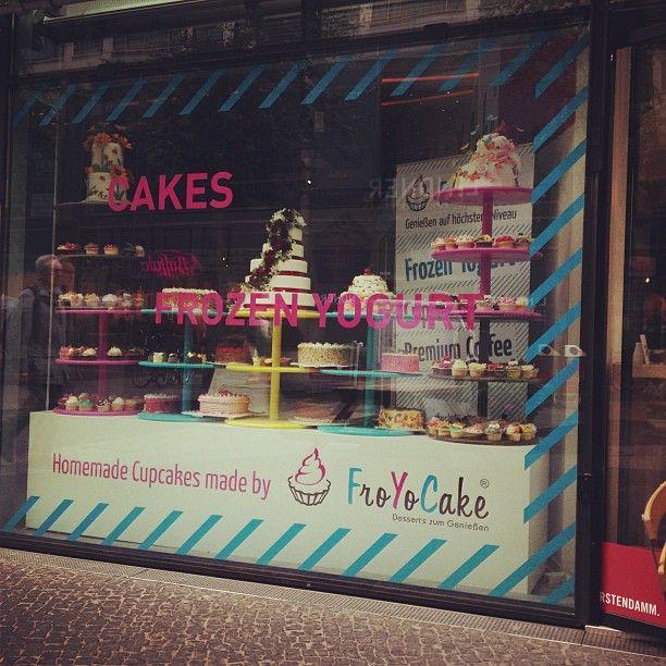 """@meritstm's photo: """"#frozenyogurt #frozen #cakes #cupcakes #kudamm #kurfürstendamm #froyocake #berlin #berlinstagram"""""""