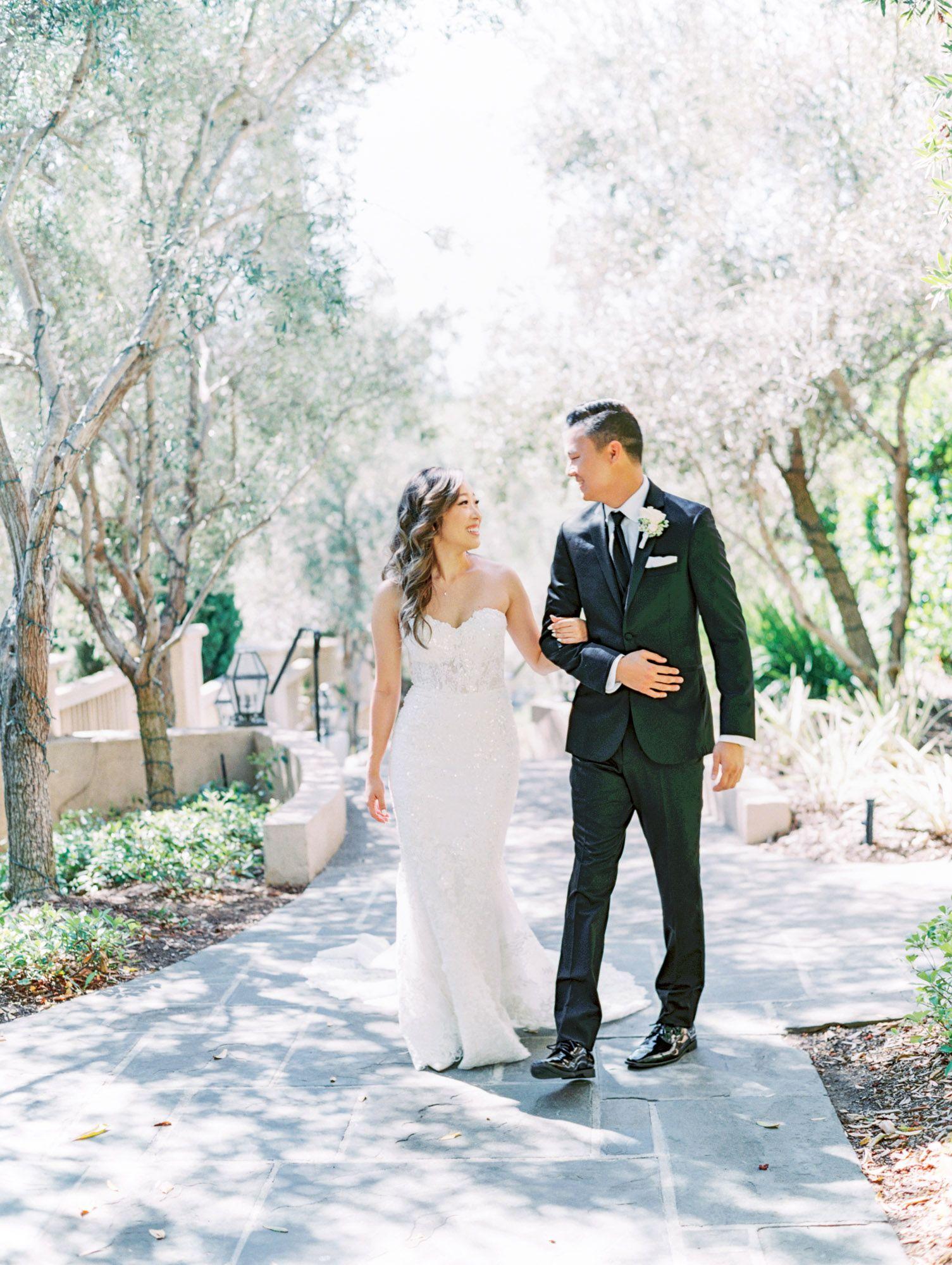 Esther Yoon S Garden Wedding In 2020 San Diego Wedding Venues Wedding San Diego Wedding