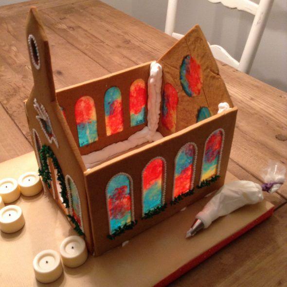 Gingerbread Church #gingerbreadhousetemplate