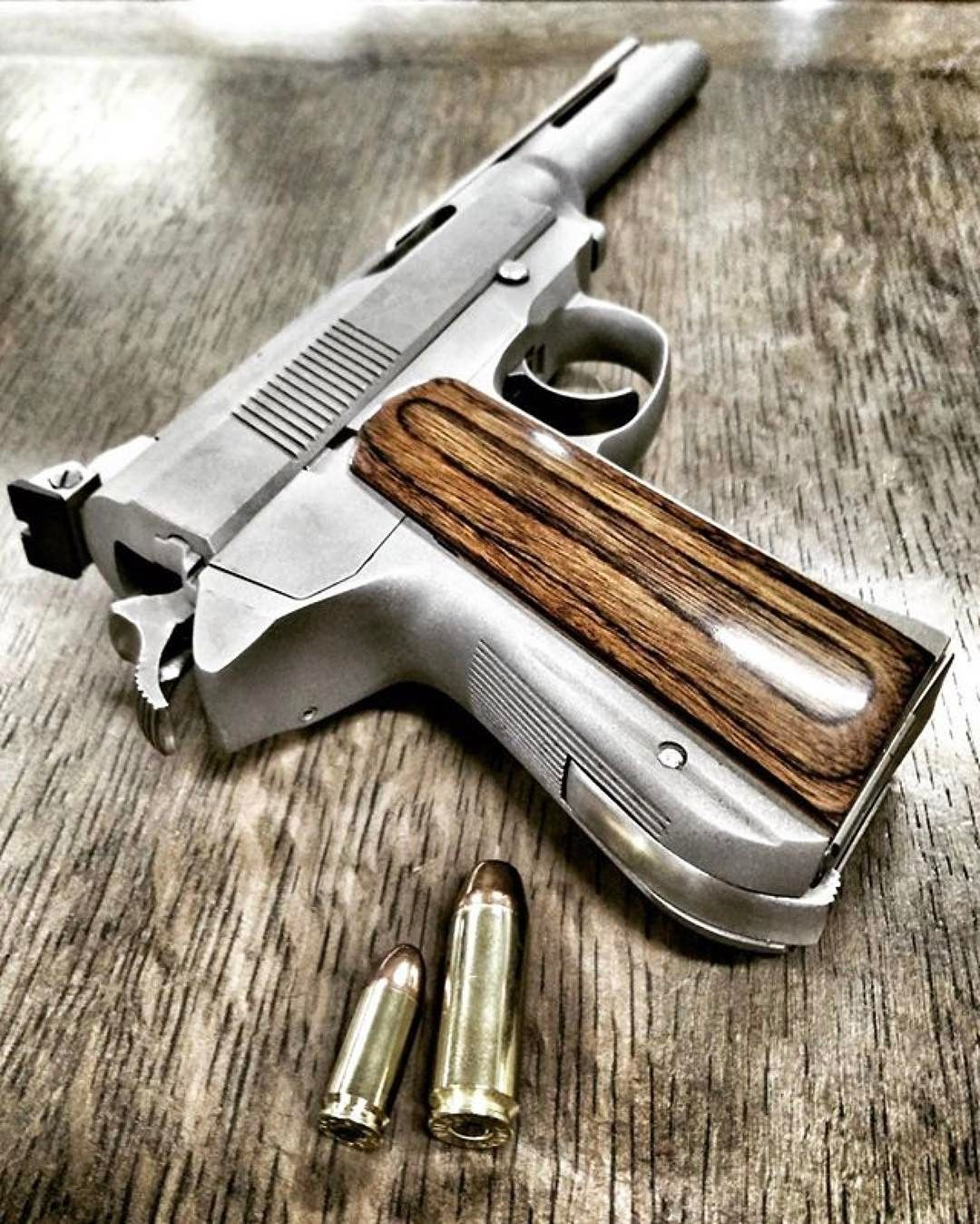 Via Readygunner 475 Wildey Magnum Next To 9x19 Hand Guns Guns Guns Bullet