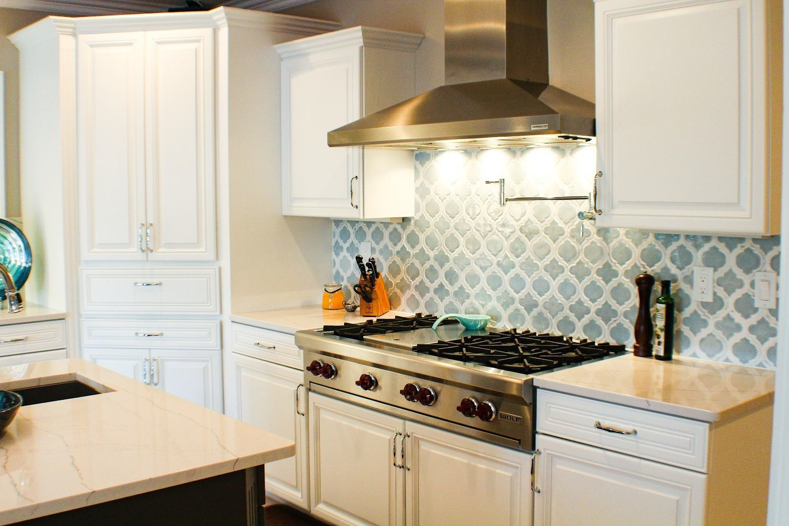 Prime Watch Your Kitchen Come To Life After A Simple Cabinet Color Beutiful Home Inspiration Cosmmahrainfo