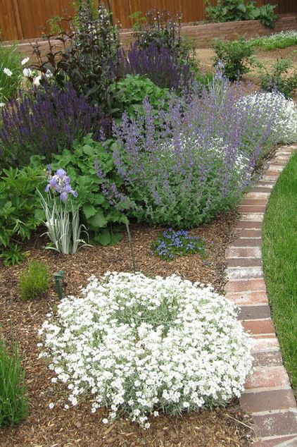 Good Traditional Landscape By Urban Gardens, Inc.