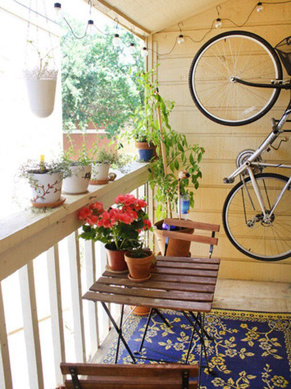 Low budget small balcony apartment patio design outdoor for Apartment porch decorating ideas